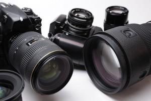 高性能暗視カメラを使い、カップルを鮮明に撮影